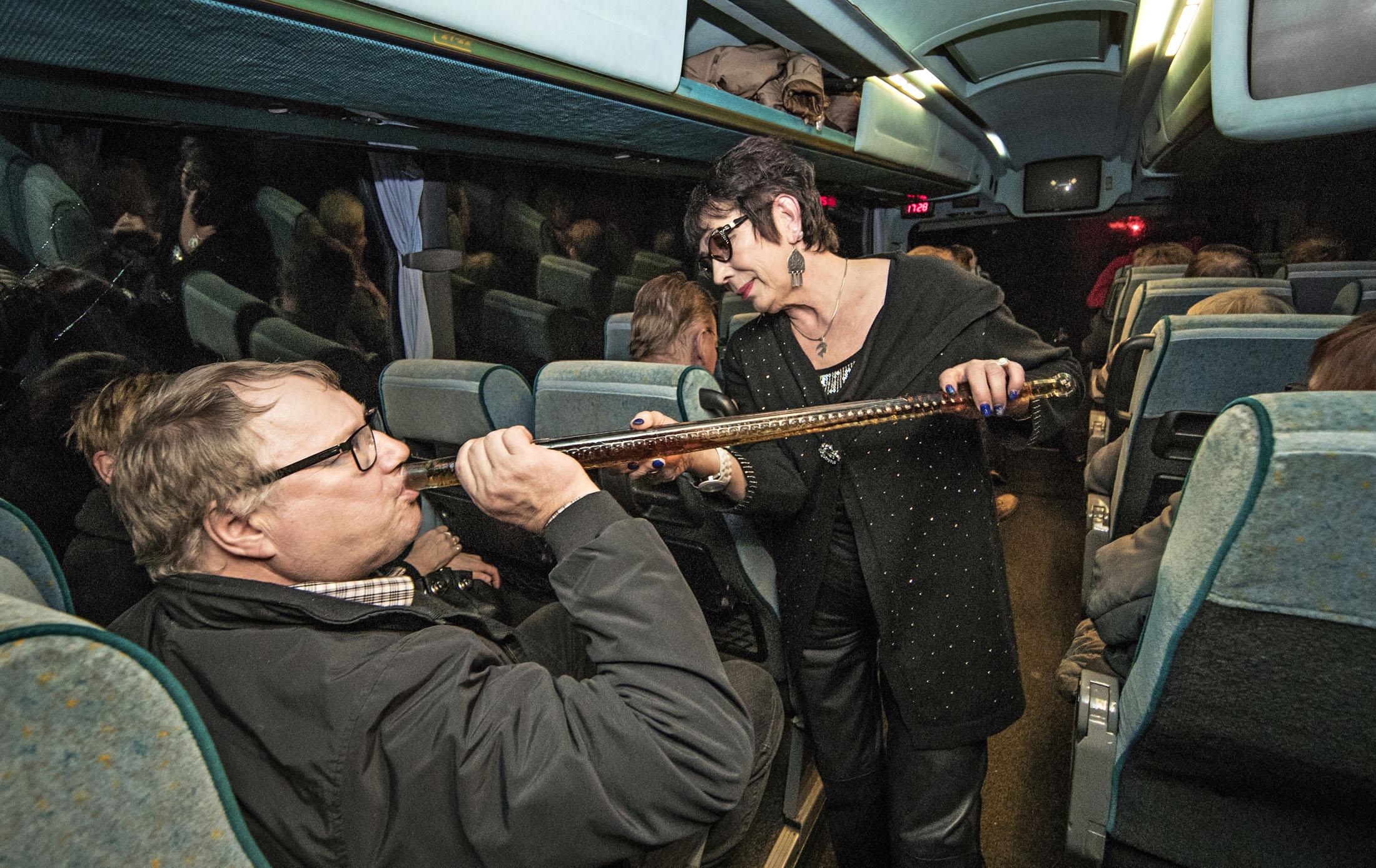 Eija Eronen kierrättää Rasputinin miekkaa matkalaisten huulilla