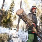 Virtasalmelainen Markku Pulkkinen on harventanut ja myynyt metsää 1,6 hehtaaria. Hän haluaisi auttaa kehitysmaiden lapsia ja naisia.