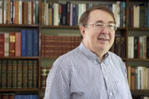Timo Airaksinen on käytönnöllisen filosofian emeritusprofessori.