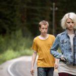 Jonin (Teppo Manner) ja Raisan (Roosa Söderholm) yhteisestä pakomatkasta tulee unenomainen kokemus.