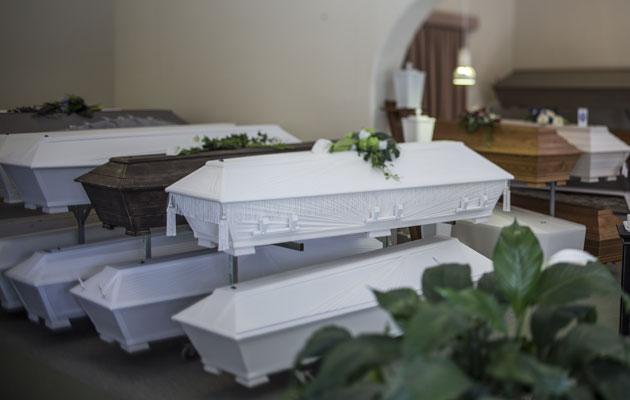 Arkuissa on valinnanvaraa hautaustoimistossa.