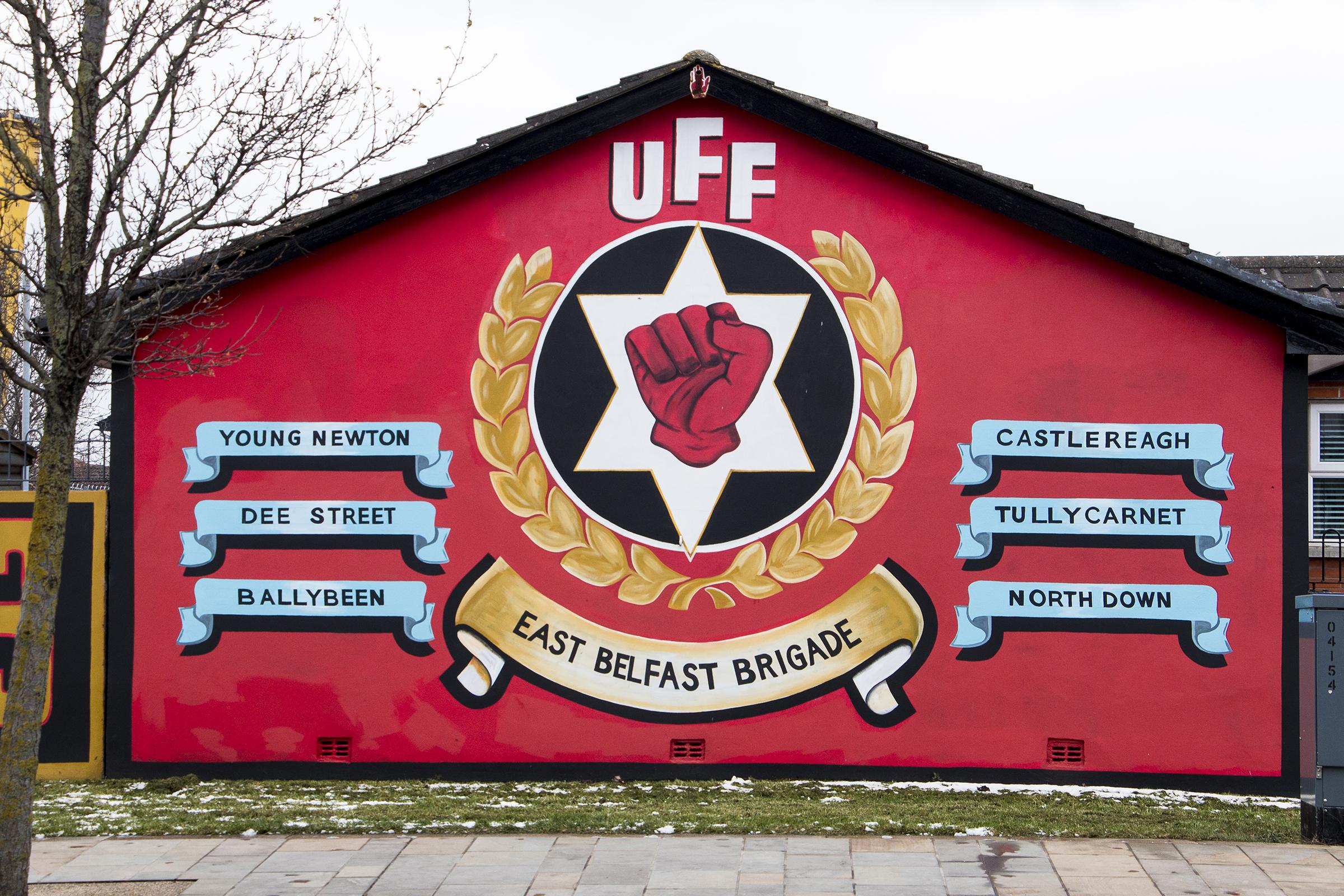 Konfliktivuosien puolisotilaallisia lojalistijengejä ylistetään peittelemättä. UFF eli Ulster Freedom Fighters oli UDA:n eli Ulster Defence Associationin yksi osa.