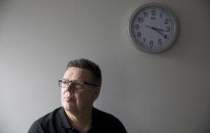 Helsingin huumepoliisin entinen päällikkö Jari Aarnio on tutkintavankina Vantaan vankilassa.