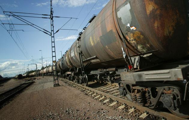 Junanvaunut kuljettavat vaarallisia aineita.