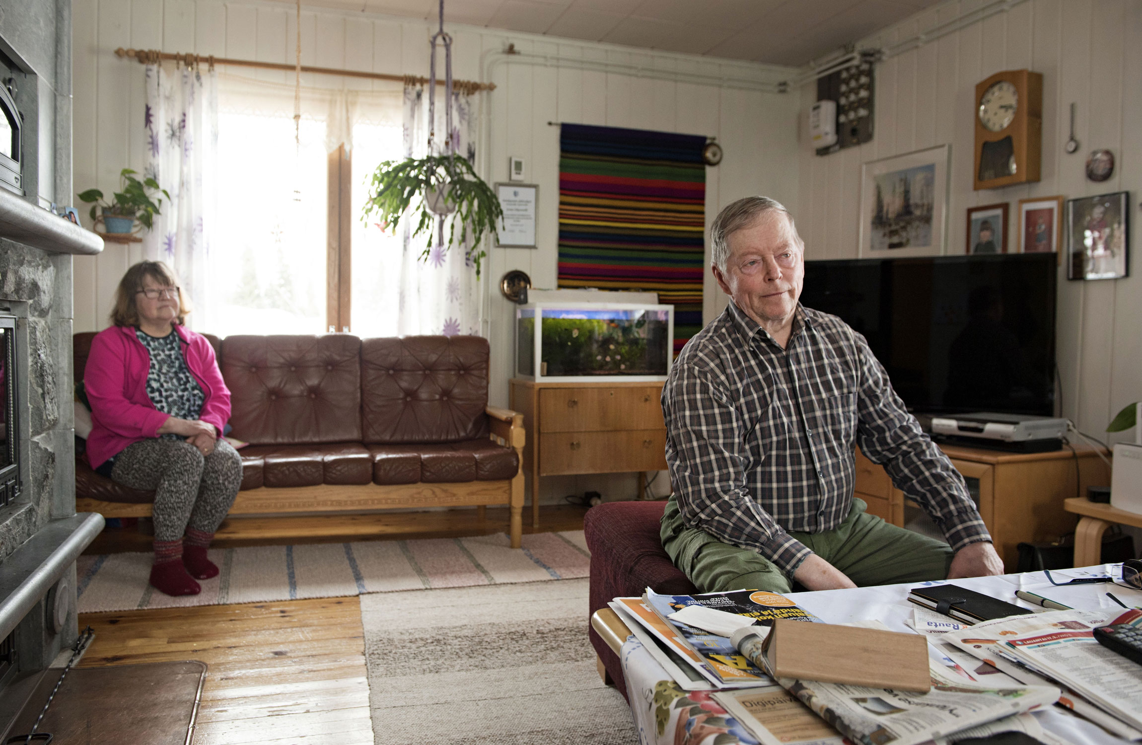 Jorma Oikarinen oli Väyrysen mies. Nyt hän on vaimonsa Maijan kanssa pettynyt Väyrysen touhuihin.