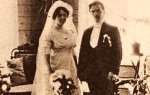 Toivo Kuula ja Alma Silventoinen vihittiin 1914. Avioliitto oli Kuulan toinen. Pariskunnalle syntyi tytär Sinikka keväällä 1917.
