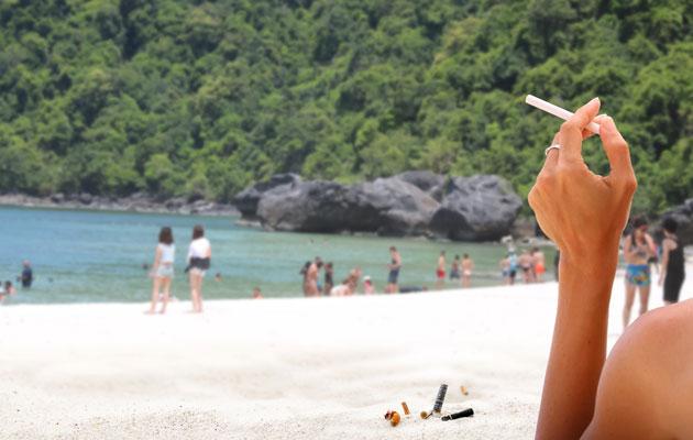 Tupakointi on kielletty monilla uimarannoilla Thaimaassa.