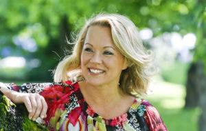 Laulaja Heidi Pakarisen mielestä elämä sinkkuna on mukavaa