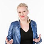 Näyttelijä ja koomikko Heli Sutelalla on syntymäpäivät 24.5.1968. Onneksi olkoon!