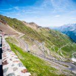 Passo de Stelvio on motoristien ykköskohde, koska maisemat siellä ovat uskomattomat.