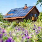 Katoille asennettavat aurinkosähköpaneelit ovat usein kannattavia sijoituksia.