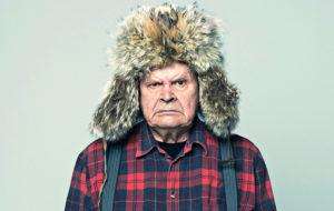 Mielensäpahoittaja kommentoi Tuomas Kyrön uudessa kirjassa yhteiskuntaa. Hahmoa on Antti Litjan jälkeen näytellyt Heikki Kinnunen.