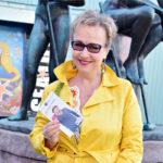 Näyttelijä Paula Siimes on syntynyt 20.5.1963. Lämpimät onnittelut Paulalle!