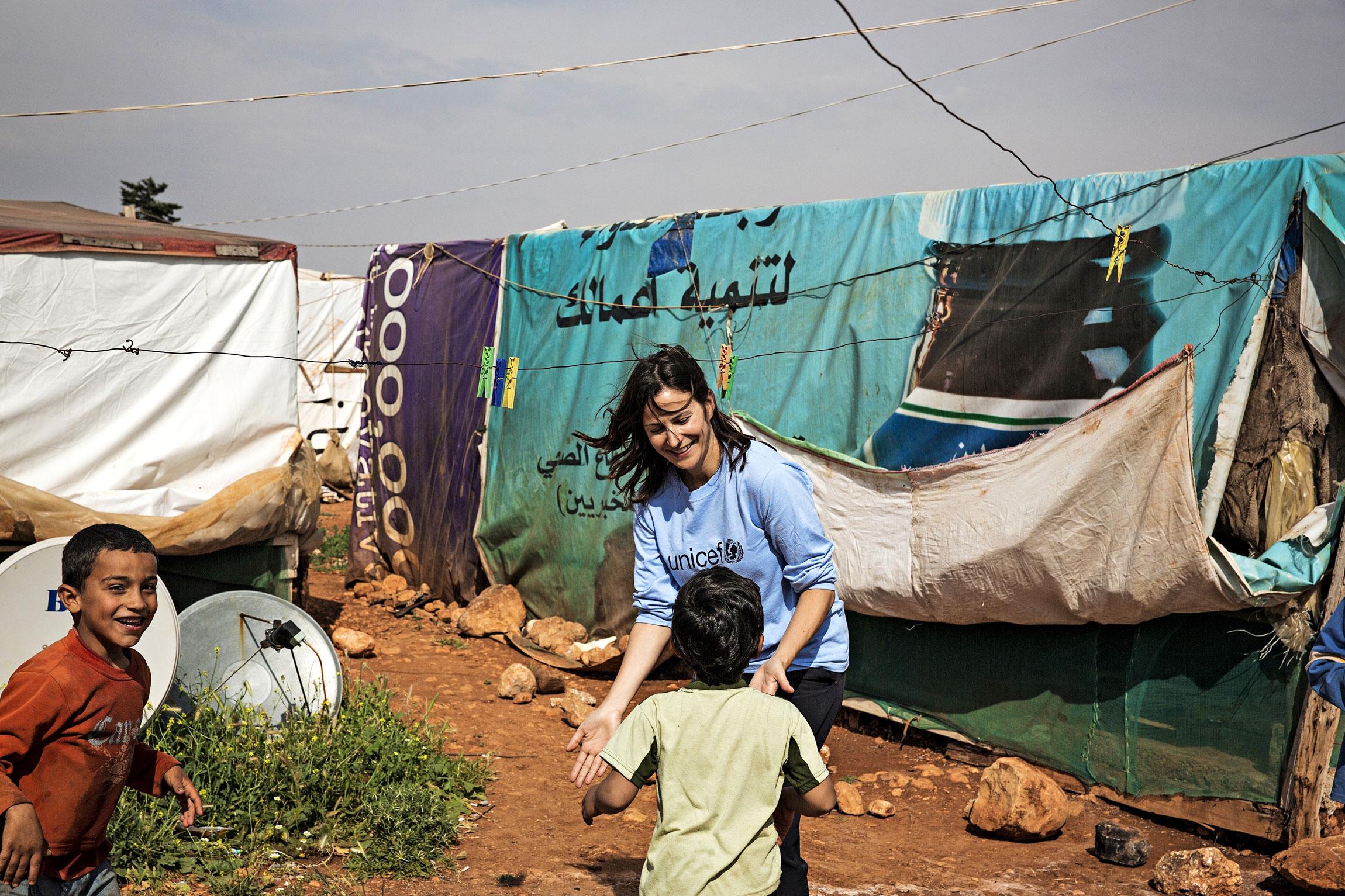 Suomalainen Miriam Azar lähti Libanoniin UNICEF:in auttajaksi.