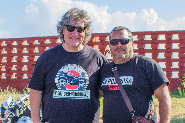 Riku Routo tutustui Chen poikaan Ernesto Guevaraan (oik.) Kuuban Varaderossa 2017.