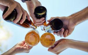 Helteet ja alkoholi voivat olla vaarallinen yhdistelmä.