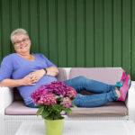 Leena Vallin yrittää ottaa rennommin vakavan sairauskohtauksen jälkeen. Omia perintötekijöitä ei voi vaihtaa, mutta voi vaikkapa levätä kun väsyttää.