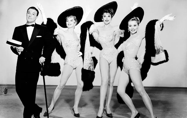 Gene Kelly, Taina Elg, Kay Kendall ja Mitzi Gaynor.