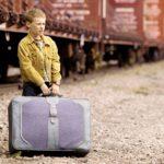 Kyle Catlett näyttelee lapsinero T.S. Spivetiä. ©  Yle Kuvapalvelu
