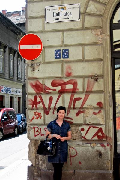 Lomamatkalla Riikka Hollo Budapestissä vuonna 2011.