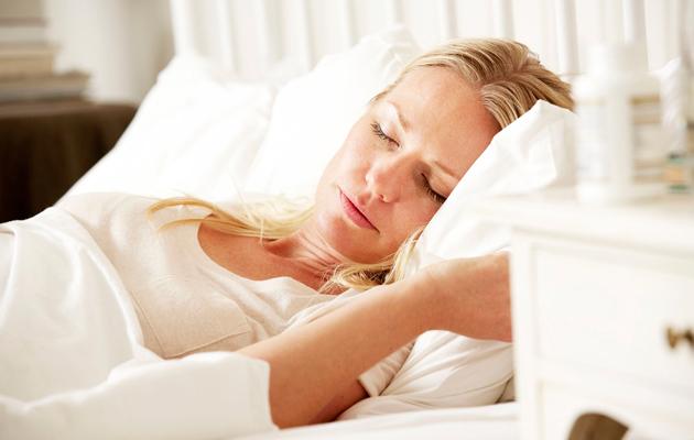 Riittävä uni ihonhoidossa