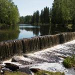 Seinäjoki on sekä kaupunki että vehreiden rantojen reunustama virta, jonka soljuntaa voi istua kuuntelemaan Törnävänsaaren varjoisaan puistoon.