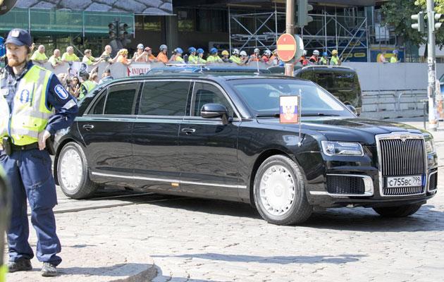 Putinin auto Helsingissä.