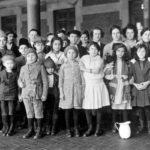 Siirtolaiset saapuivat uuden elämän toivossa New Yorkin Ellis Islandille.