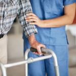Myyntiesittelyt helpottavat ja piristävät liikuntarajoitteisten vanhusten arkea.