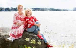 Kirjailija Annina Holmverg ja Annina Litmanen