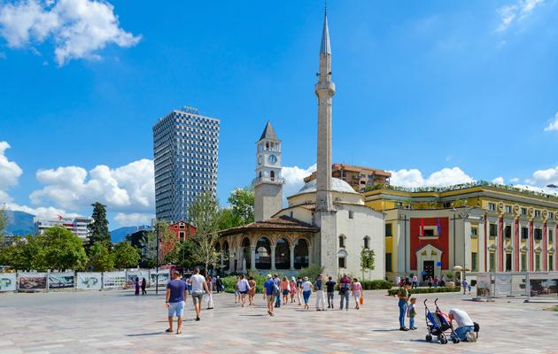 Tiranan keskusaukion eli Skanderbegin aukio