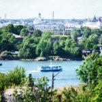 Vallisaaresta on hyvät näkymät meren yli Helsinkiin.