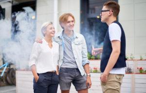 tupakoivat nuoret