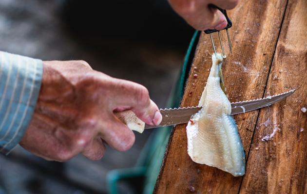 Pienten kalojen putsaamiseen menee aikansa