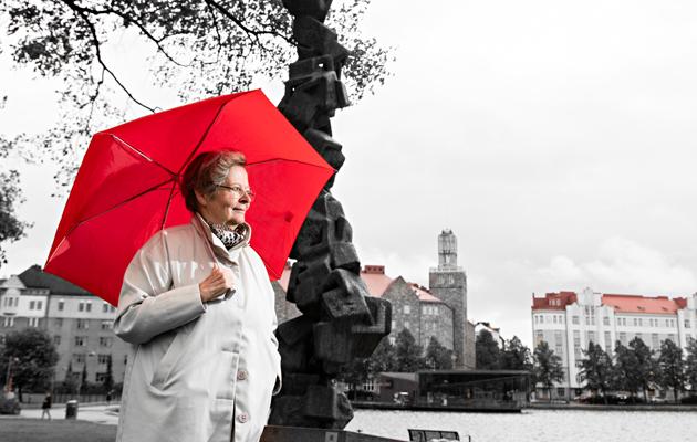 Liisa Jaakonsaaren uralla oli poliittisiakin myrskyjä