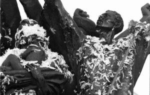 Maailman rauha -patsas Hakaniemessä.