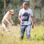 Labradorinnoutaja Rokka ja poliisi Toni Lahtinen muodostavat Team Rokka -yhdistyksen ytimen. Rokka osaa tunnistaa norsunluun hajun. Sen avulla on saatu kiinni salakuljetusliigoja ja muun muassa Itä-Afrikan etsityin salakuljettaja, lempinimeltään Paholainen.