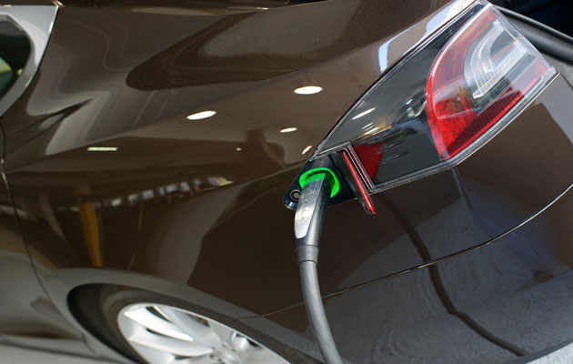 Sähköautoilu lisää suosiotaan.