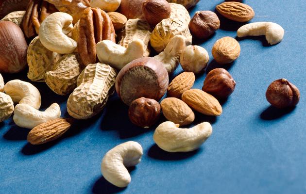 Pähkinöiden – paitsi kookospähkinän – rasvasta suurin osa on pehmeää rasvaa, joka alentaa LDL-kolesterolia. Pähkinät ovat hyvä lisä muistisairaalle.