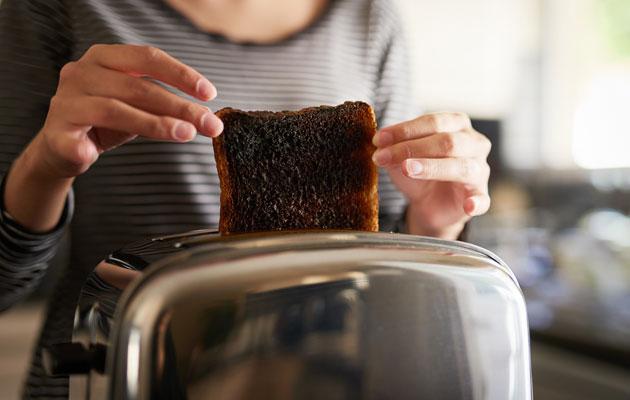 Miksi leivänpaahtimien pieniäkään vikoja ei korjata?