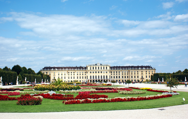 Schönbrunnin keisarillinen linna