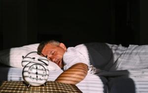 Päänsärky ja nukkuma-asento