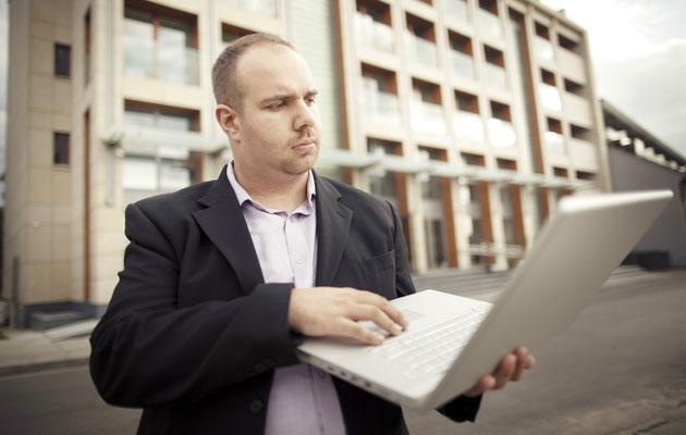 Saako työttömiltä kysellä ylipainosta ja hygieniasta?