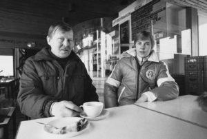 Matti Nykänen ja isä Ensio Nykänen helmikuussa 1982.