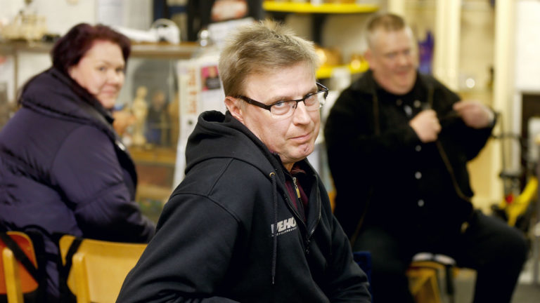 Uuraisten MacGyver Markku Saukko on Huutokauppakeisari Palsamäen jokapaikanhöylä joka korjaa tavaran kun tavaran.