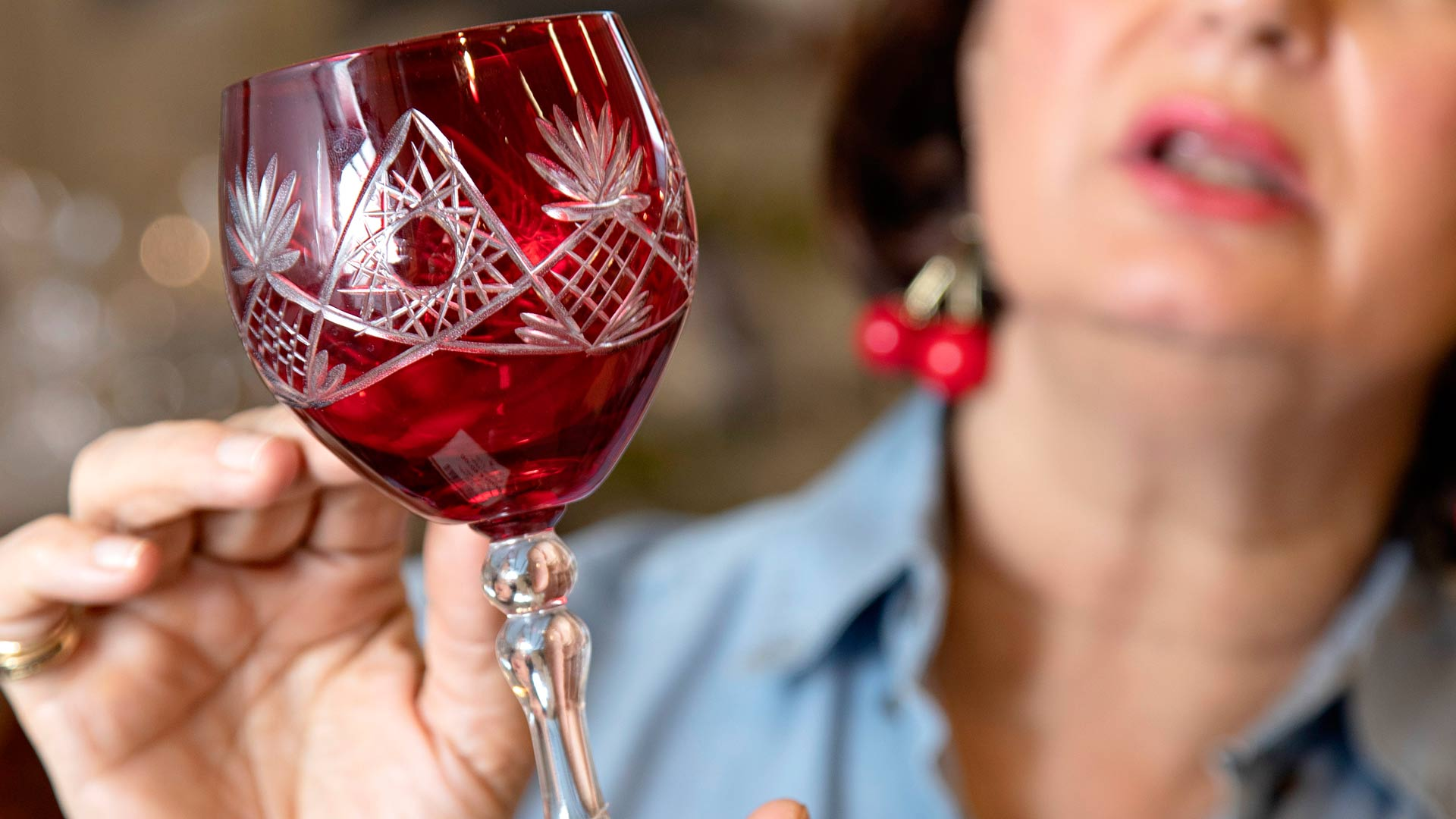 Punaiset viinilasit