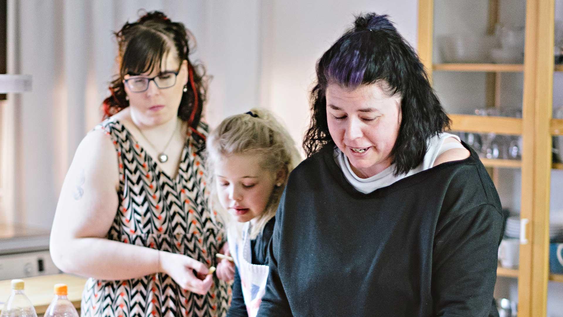 Susanna Niemelä, Noora ja Eliisa Leppänen