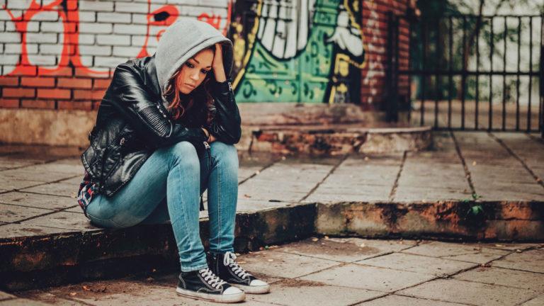 Antavatko turvatalot nuorille turvaa? Somessa levinnyt tarina kuohuttaa ja huolettaa.