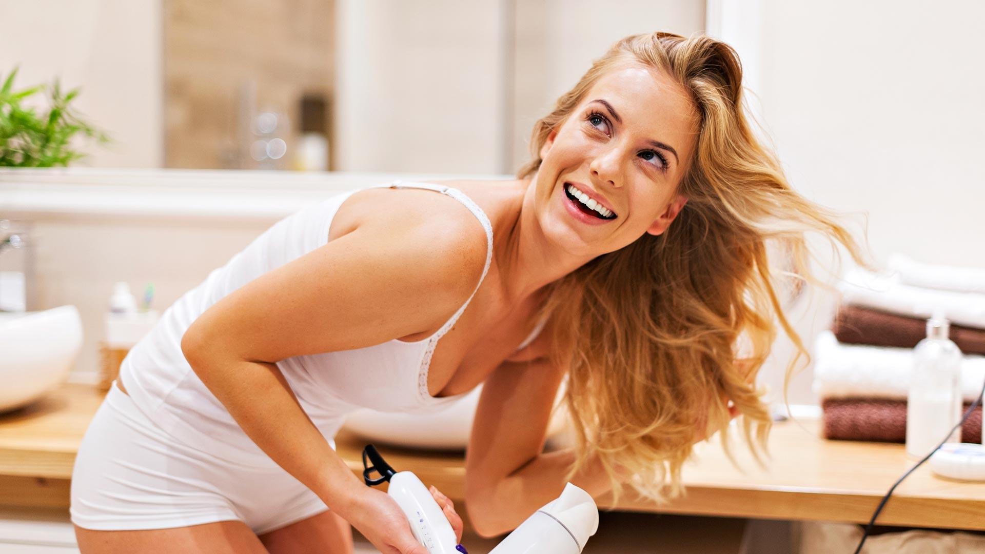 Hoida talven kuivattama tukka kuntoon oikeilla tuotteilla ja hoitorutiinilla