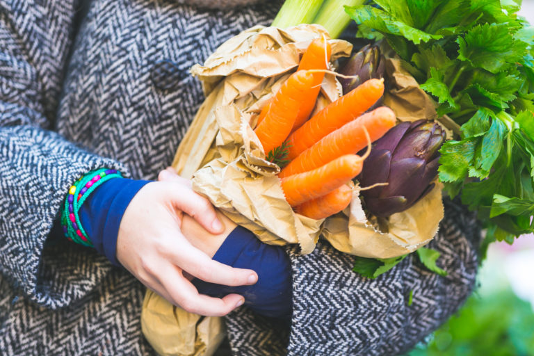 REKO-renkaiden kautta voi ostaa kaikenlaista ruokaa: vihanneksia, lihaa, kalaa, viljatuotteita, mehuja, hilloja ja pidemmällekin jalostettuja tuotteita.